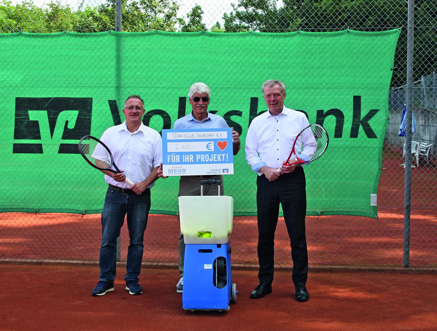 Eine Ballmaschine für den Tennisclub Donzdorf